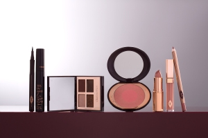 charlottetilbury_iconic_look_dolce_vita_products