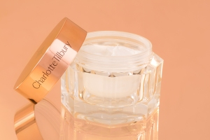 charlottetilbury_magic_cream_02